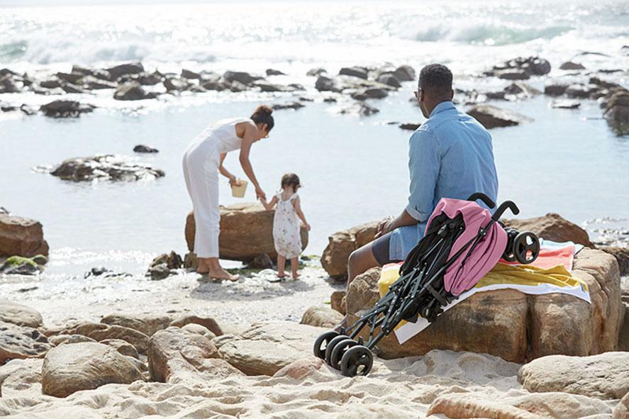 Utazás babával, milyen játékokat vigyünk magunkkal nyaralásra?