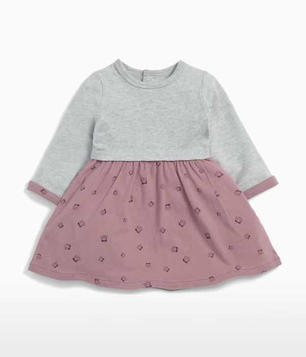 Korona mintás pulcsis ruha